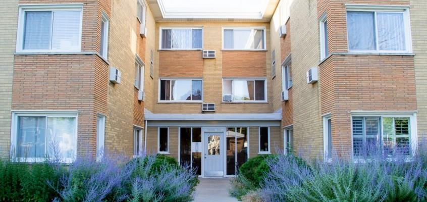 Real Estate – 1619 W Howard in Evanston, IL